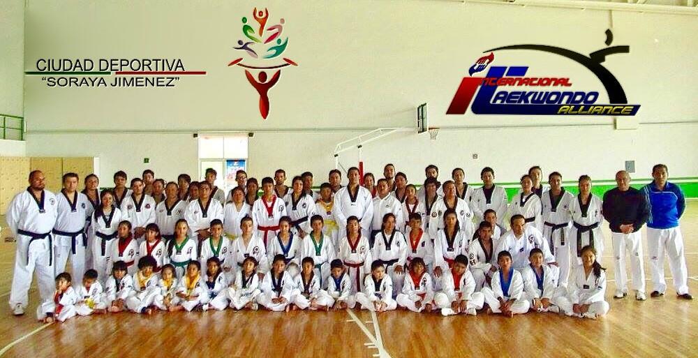 Equipo ITA de Los Reyes, Edo. Méx., que participó en clínica con Maestro Pedro Gato, agosto 2017.