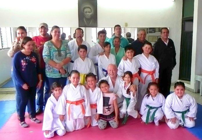 La organización Karate Do Goju Ryu Yuishinkan en Guanajuato dio paso más para su crecimiento y fortalecimiento, gracias a los exámenes realizados por el representante de la organización en México y América, Shihan Toshiro Sasaki Fujino.