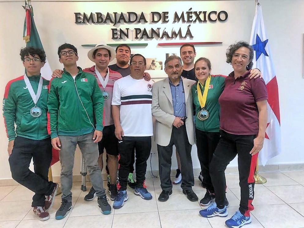 Integrantes equipo ISKF-México (Foto: Cortesía).