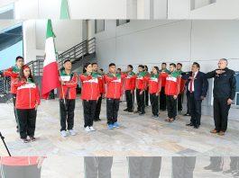 Listos para poner todo su esfuerzo sobre el tatami, los integrantes de la Selección Mexicana de Jiujitsu recibieron la bandera de México que llevarán al frente en sus competencias del Campeonato Panamericano de Jiu Jitsu 2018.