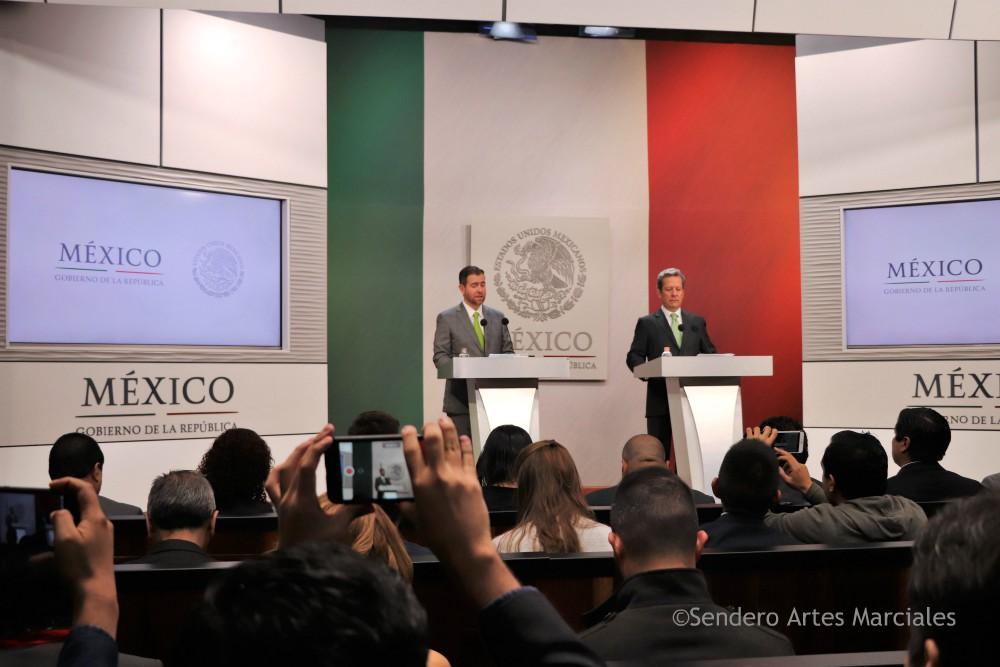 Conferencia de prensa Alfredo Castillo, titular CONADE (izquierda) y Eduardo Sánchez , vocero presidencial.
