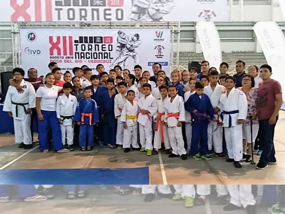 Gran triunfo logró el equipo del Club Judotecnia de la Ciudad de México (CDMX), al quedar en 2º lugar del medallero en el pasado XII Torneo Nacional de Judo Boca del Rio 2018.