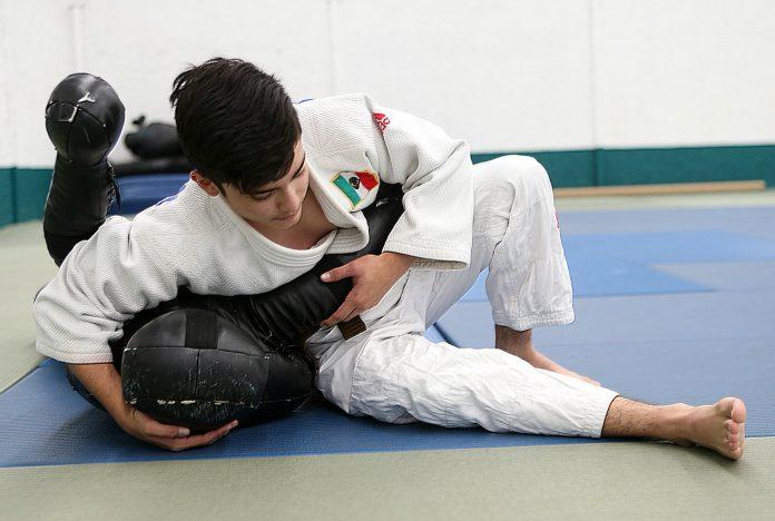 Los judocas ciegos y débiles visuales, Bryan Aburto y Abraham Ortiz, ya se encuentran en Atirau, Kazajistán, para participar en la Copa Mundial de Judo IBSA