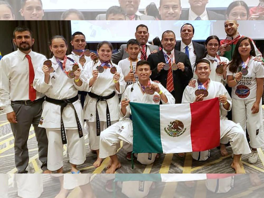 Practicantes de karate pusieron en alto el nombre de México, al lograr una veintena de medallas en el 2º Campeonato Panamericano WSKF 2018.