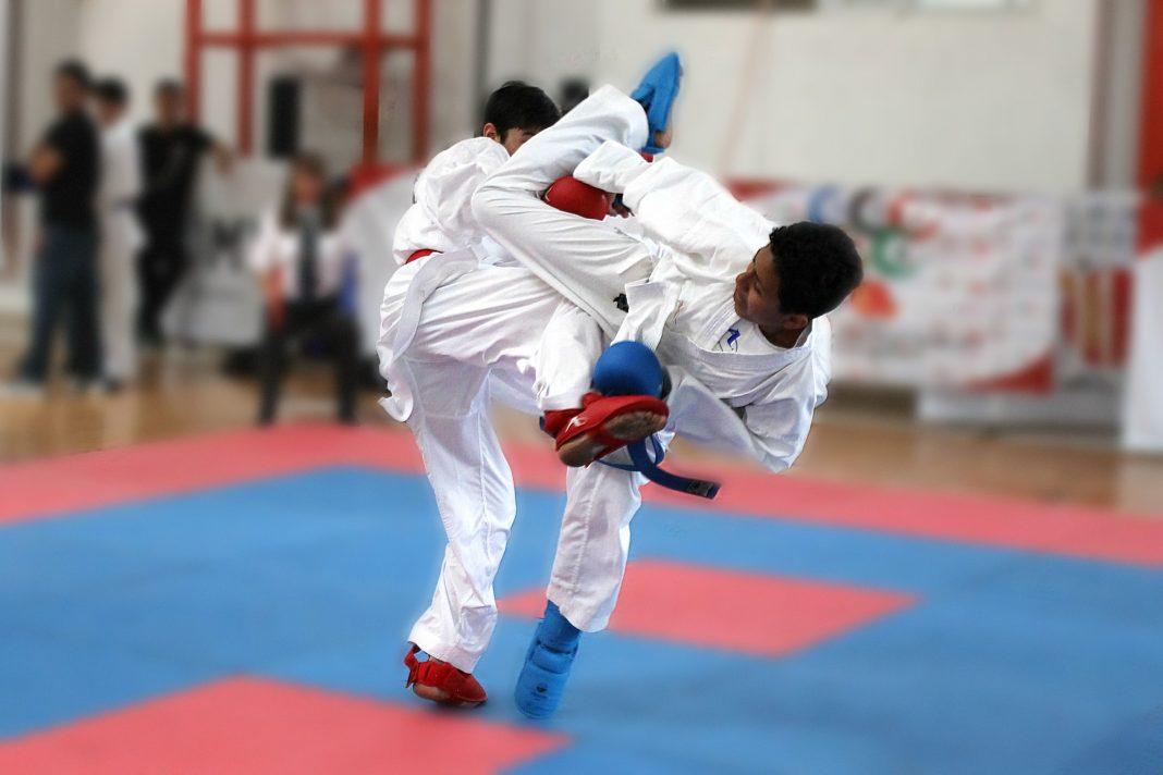 """Una gran asistencia de practicantes de karate-do de la Ciudad de México (CDMX), se ha confirmado para competir en el 2º Selectivo Estatal y Juegos Deportivos Infantiles y Juveniles de la CDMX 2018-2019, que se llevará a cabo este fin de semana en el emblemático Gimnasio Olímpico México 68 """"Juan de la Barrera""""."""