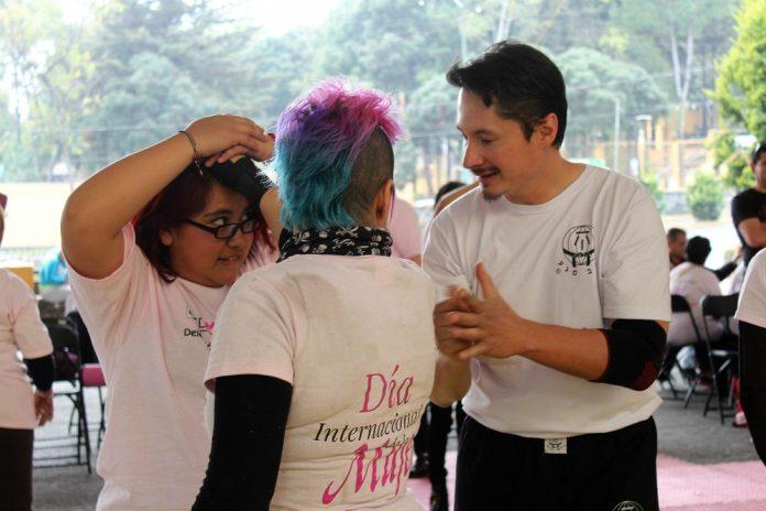A fin de que mujeres de la zona de Texcoco, en el Estado de México, conozcan el sistema de defensa personal para sentirse seguras en las calles, la Federación Sudamericana de Krav Maga-México ofrecerá una súper clase en una de las regiones donde las agresiones al sector femenino han sido constantes.
